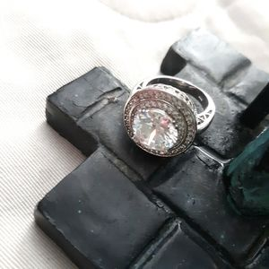 { SILVER ¤ RING }